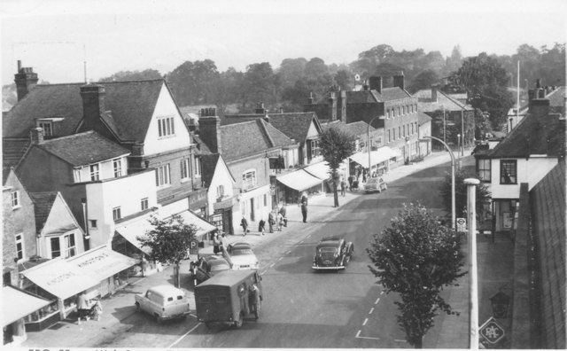 293 High Street Epping Pynes Kingstones Footwear and Moles 1960s Friths Reigate series postcard ESA8