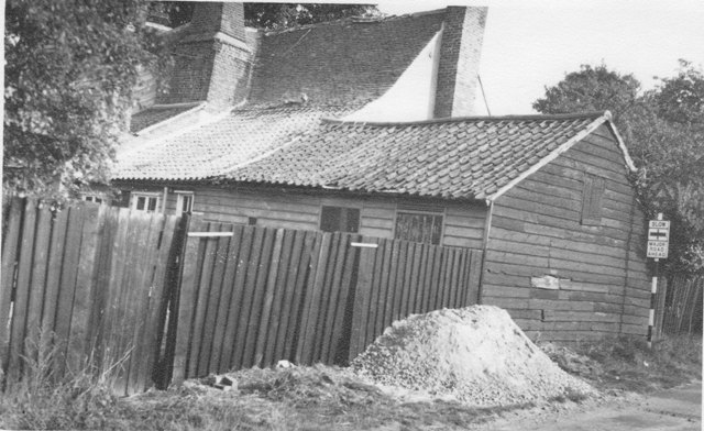 Bury Lane Epping Apple Tree Cottage 1960s ESA13