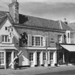 web-black-lion-pub-293-high-street-epping-1973