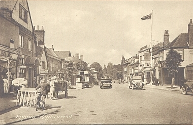 182 HIGH STREET LOOKING NORTH  POSTCARD