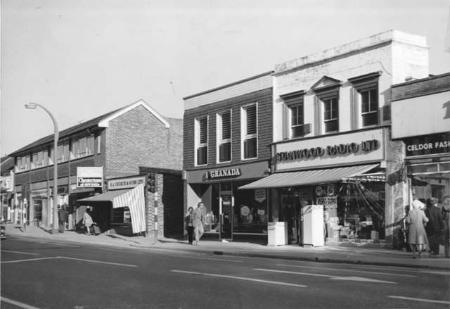 140 High Street East side opposite St Johns Road Granada and Stanwood Radio Church & Sons Celdor Fashion Stuart Turner 1975 11