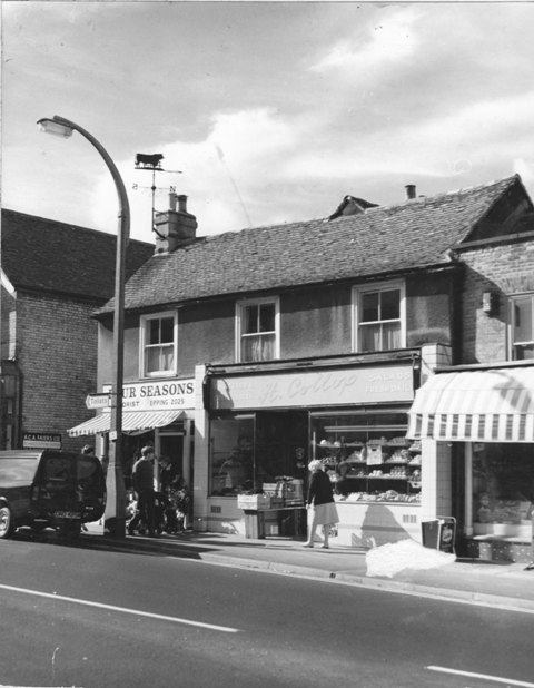 307 High Street  Epping H Collop  Fruiterer  Four Seasons Florist Stuart Turner A C A  Faiers Ltd keycutters Stuart Turner 1973 35