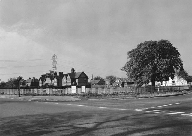 Bury Lane and Creeds Farm Stuart Turner 1975 53